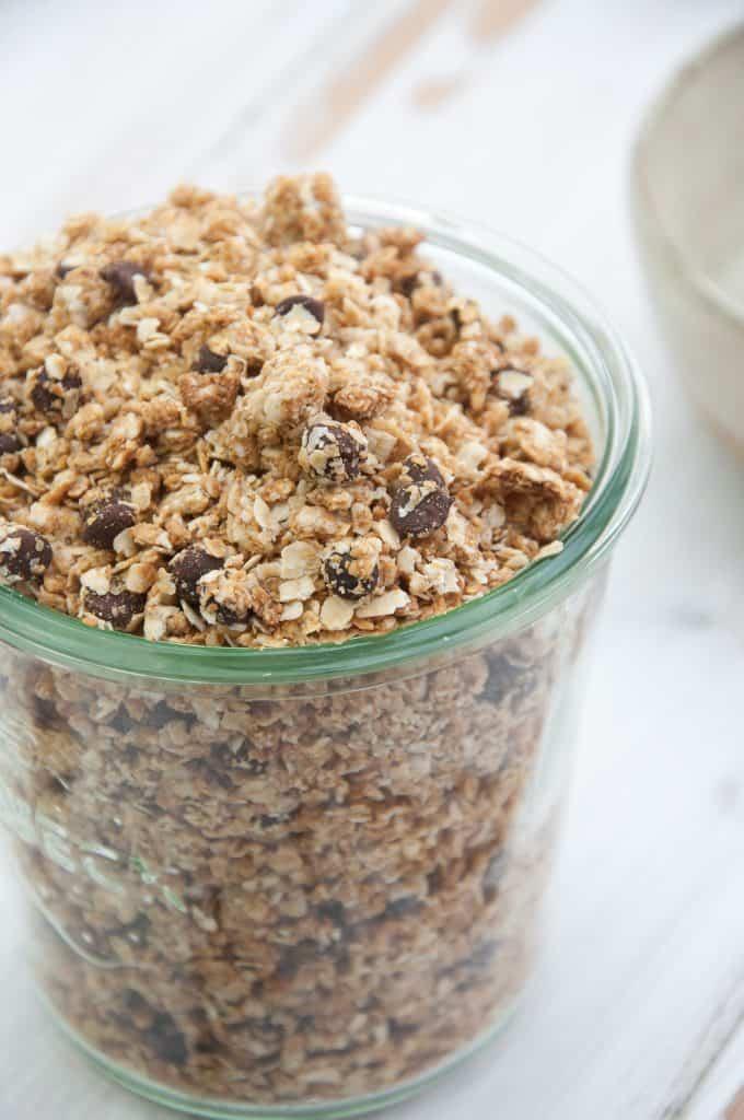 peanut-butter-granola-elephantastic-vegan