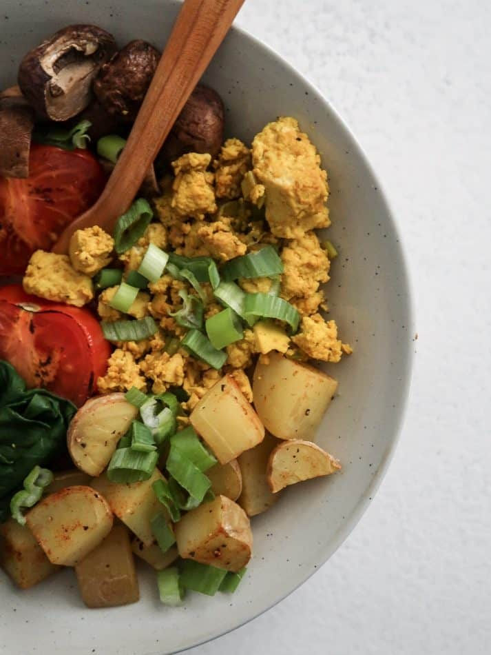 tofu-scramble-breakfast-bowl-1