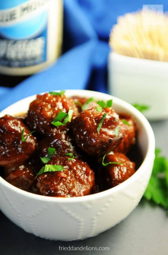 vegan-instant-pot-bbq-meatballs-5-580x877