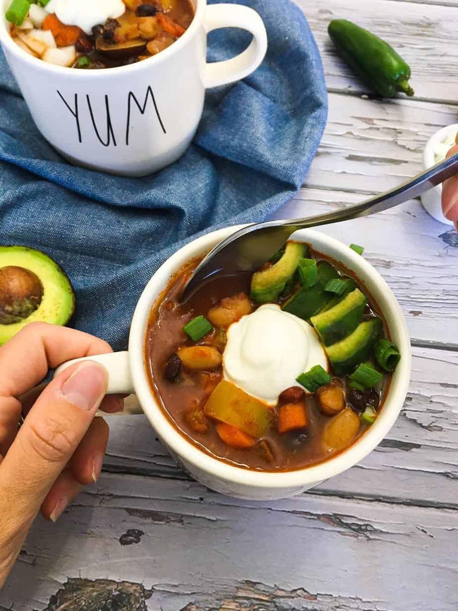 vegan chili with cashew cream garnish