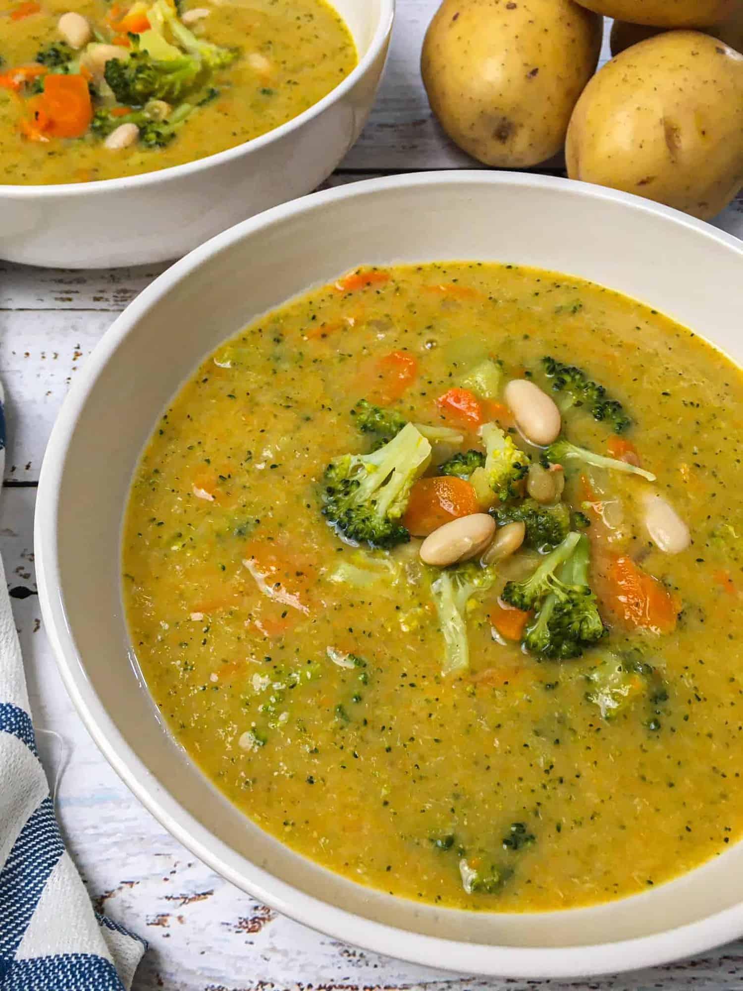 close up of bowl of broccoli potato soup